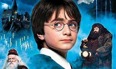 《哈利波特与魔法石》电影简介 这部电影为什么经久不衰