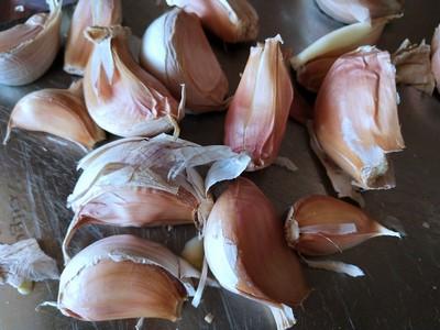 腊八蒜怎么做才好吃 教你腊八蒜的做法