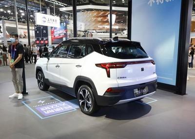 江淮思皓E40X上市 定位小型纯电动SUV