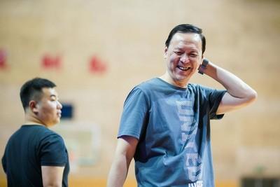 天津男篮官方:张德贵指导正式加盟球队教练组